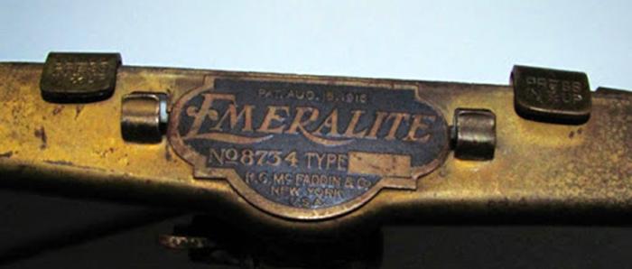 Signature lampe de banquier originale emeralite